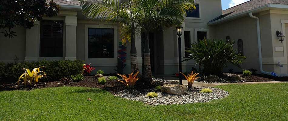 This lawn in Parrish benefits from routine lawn maintenance and mowing.