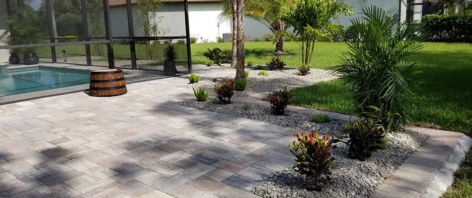 Custom paver patio and landscape design in Sarasota, FL.