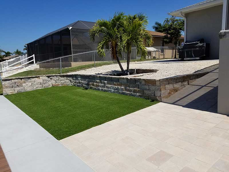 New Landscape Bed Amp Artificial Turf At Palmetto Fl